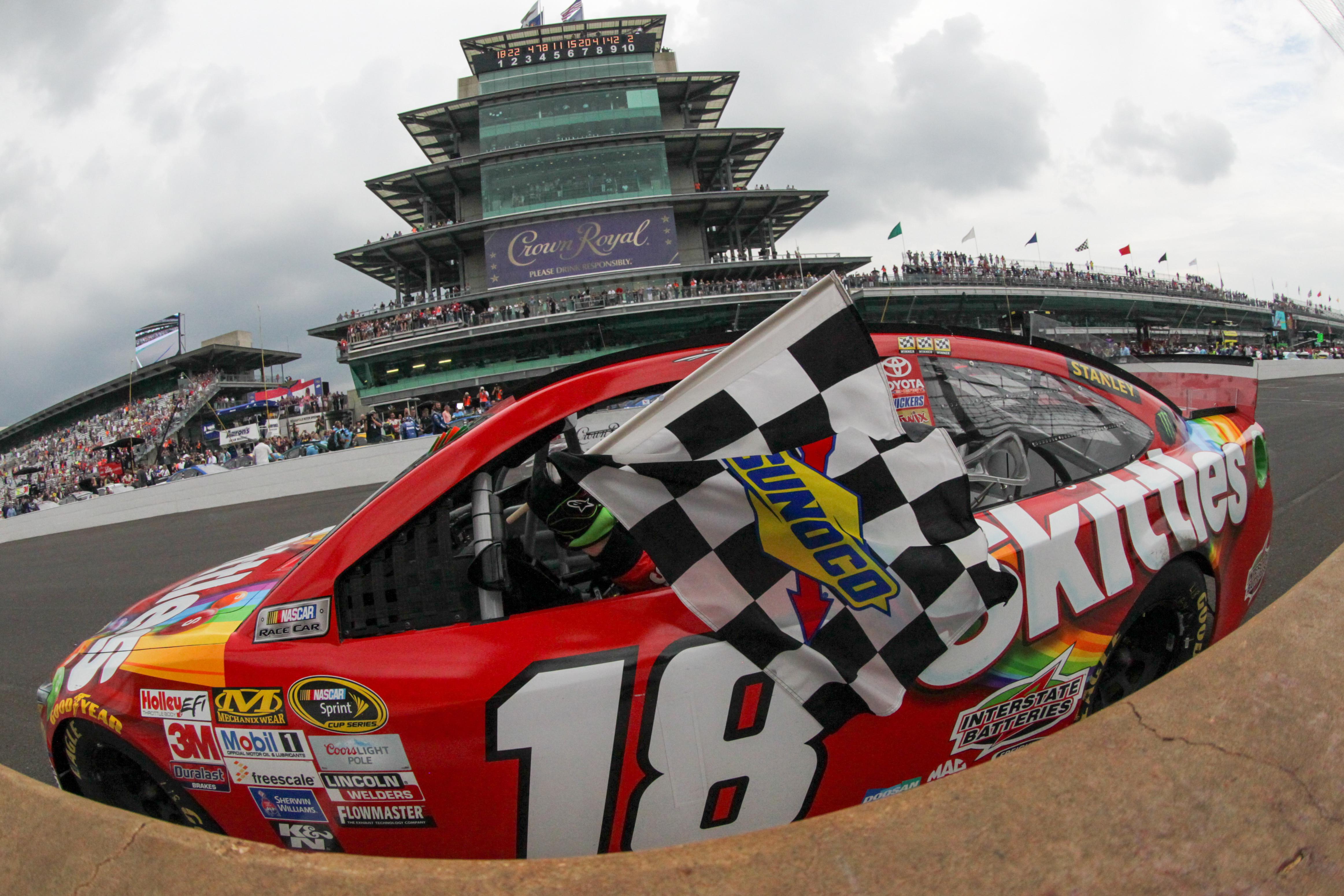 Kyle busch sweeps nascar indianapolis motor speedway for Indianapolis motor speedway indianapolis in